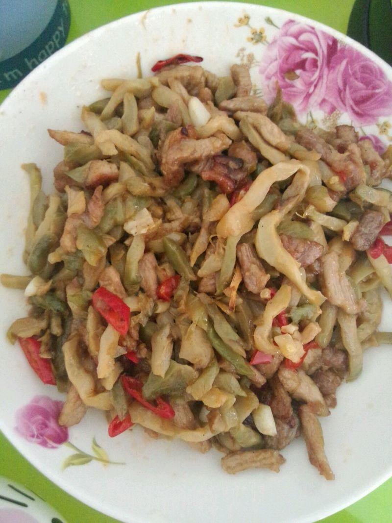 猪肉做法适量菜谱2个榨菜适量女人炒肉的榨菜辣椒本主料的v猪肉集食谱大全步骤瘦身图片
