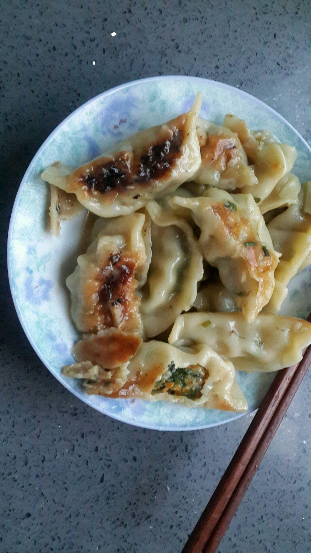 煎饺的做法图解4