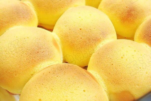 圖片標題: 奶酥墨西哥麵包的做法