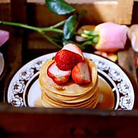 阳光明媚春天里的草莓季~草莓松饼