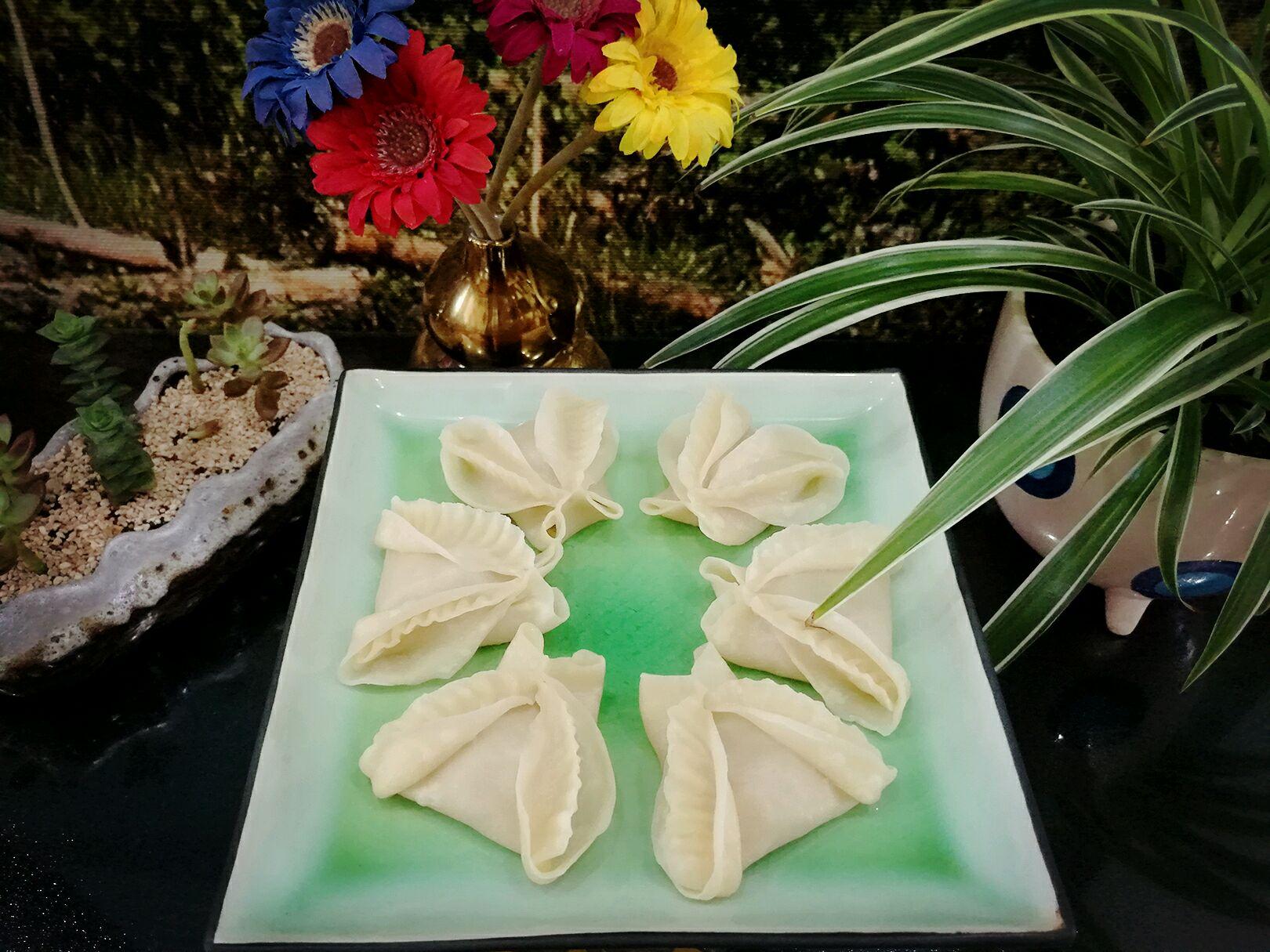 茴香菜是一种蔬菜,多用来做包子饺子馅,和它的种子(小茴香)一样具有一