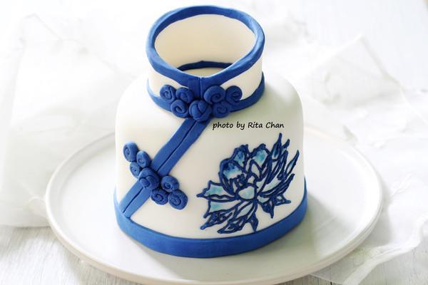 青花瓷旗袍翻糖蛋糕 #约会mof#的做法