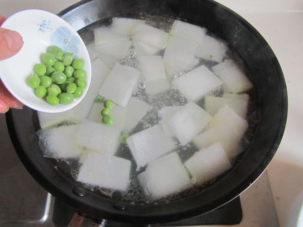 皮蛋冬瓜汤的做法图解5