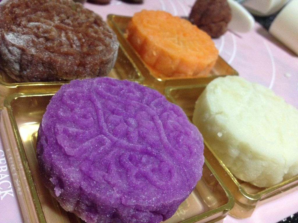 彩色冰皮月饼【奶蛋素】的做法_【图解】彩色冰皮月饼