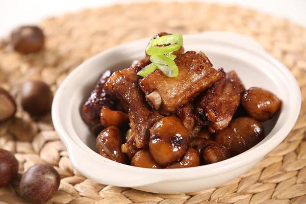 栗子焖排骨—捷赛私房菜的做法