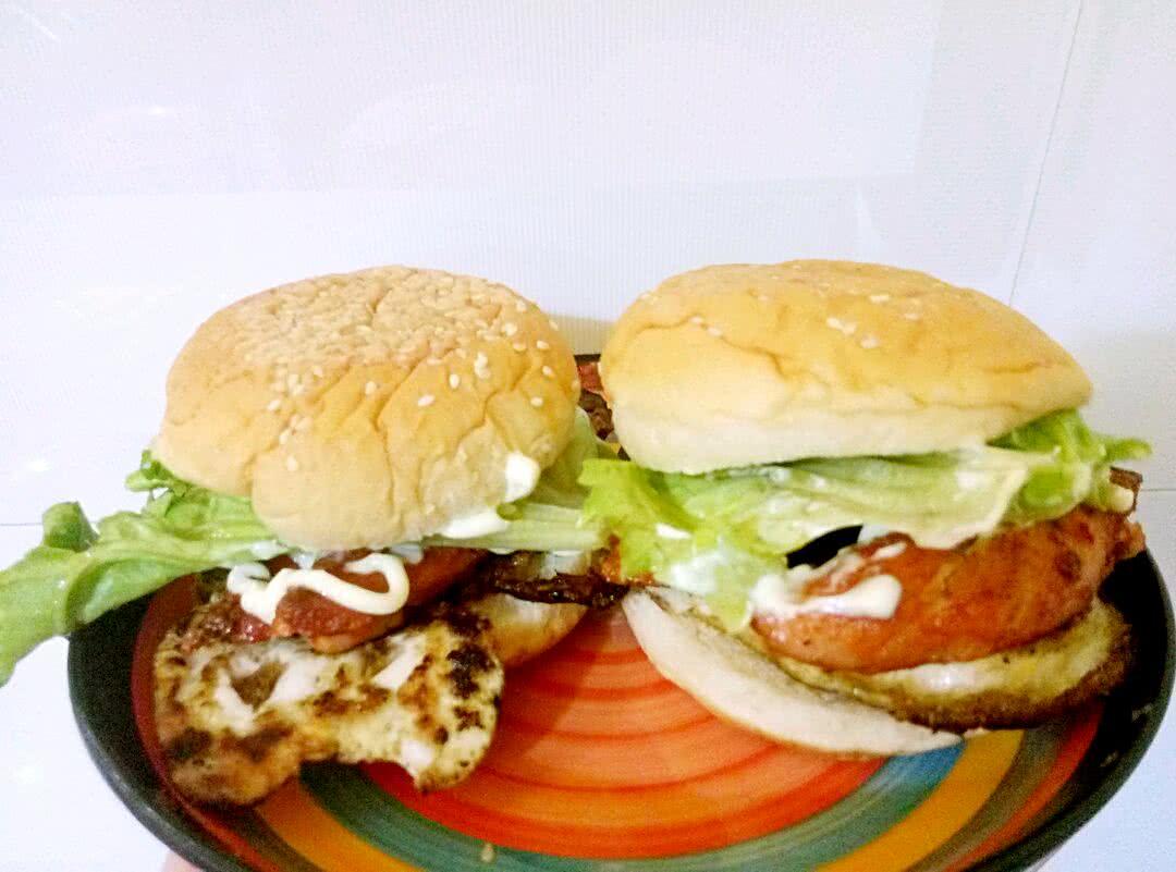 汉堡面包2个 无骨鸡柳2个 1片 1个 沙拉酱1瓶 鸡柳汉堡的做法步骤
