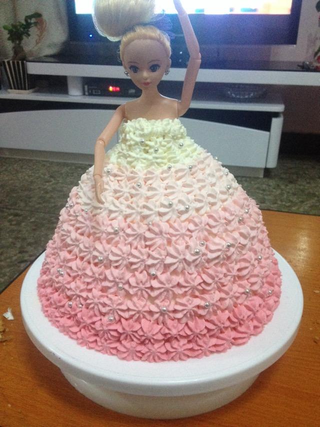 芭比公主生日蛋糕的做法