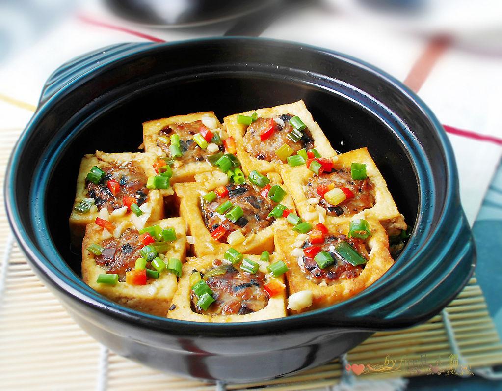 生抽适量 蚝油适量 水淀粉适量 红椒丁适量 砂锅豆腐酿的做法步骤