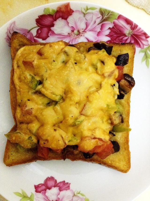 百吉福创意芝士早餐#面包片披萨的做法_【图解】##片