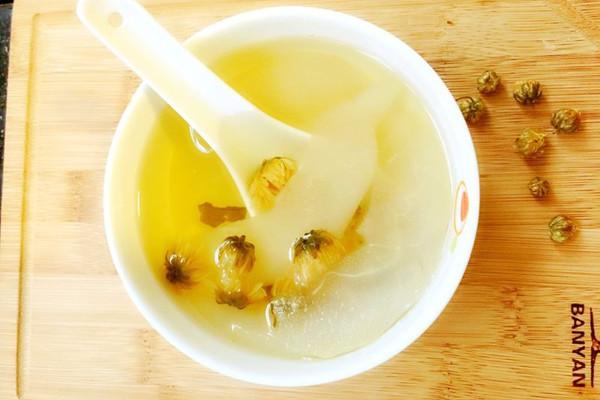 雪梨1个 冰糖雪梨菊花茶的做法步骤
