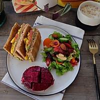 健康减脂早餐—牛油果鸡蛋三明治