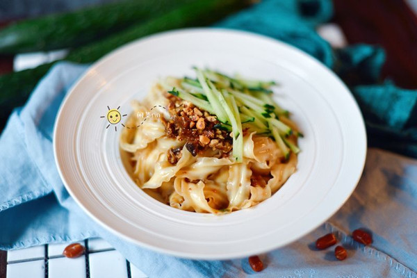 素食记—香菇炸酱面的做法