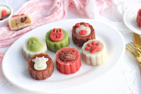 醇香栗子加酸甜蔓越莓的卡通月饼,这个中秋节就要萌萌哒~的做法