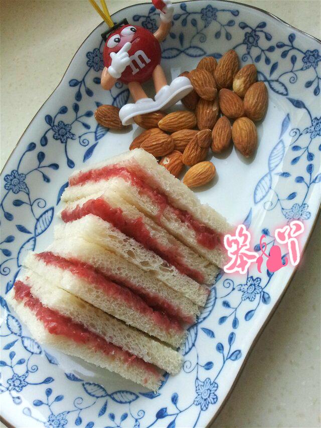 自制草莓酱三明治的做法步骤