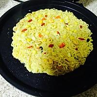 泡面鸡蛋饼#小虾创意料理#的做法图解5