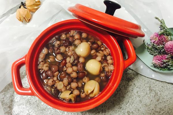 红豆薏米莲子粥的做法