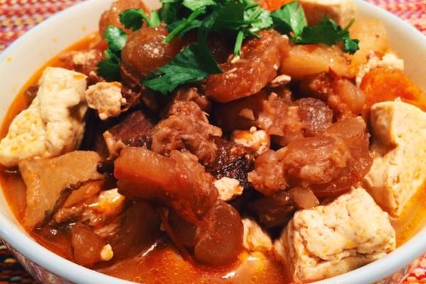 西红柿炖牛肉牛筋豆腐萝卜煲—好吃营养停不下的做法
