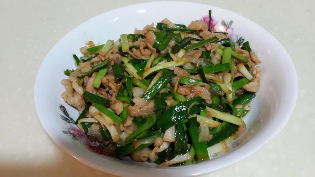 盐,生抽,胡椒粉,鸡精,干辣椒 家常小炒的做法步骤        本菜谱的