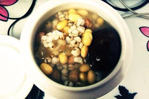 花旗参黄豆红枣薏米粥的做法