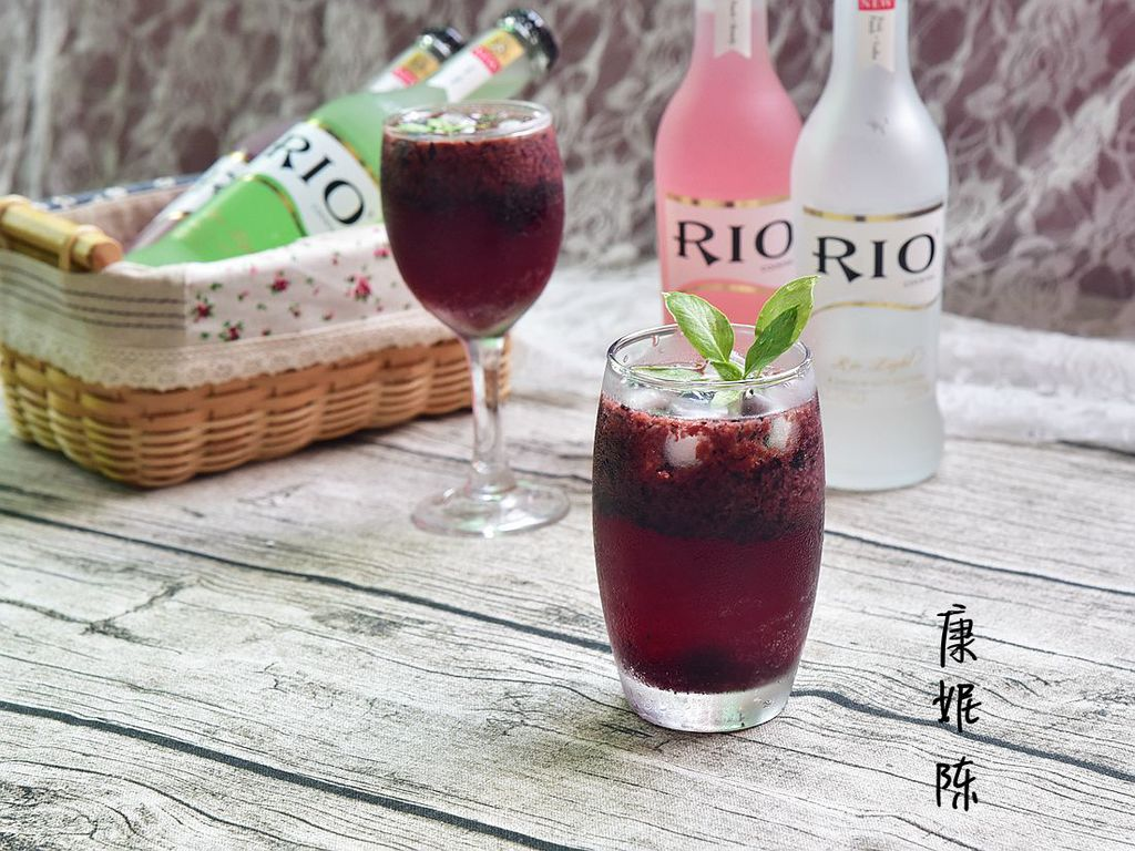 蓝莓怎么泡酒_蓝莓鸡尾酒的做法_【图解】蓝莓鸡尾酒怎么做如何做好吃_蓝莓 ...