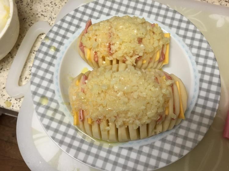 芝士黄油蒜香烤土豆图片