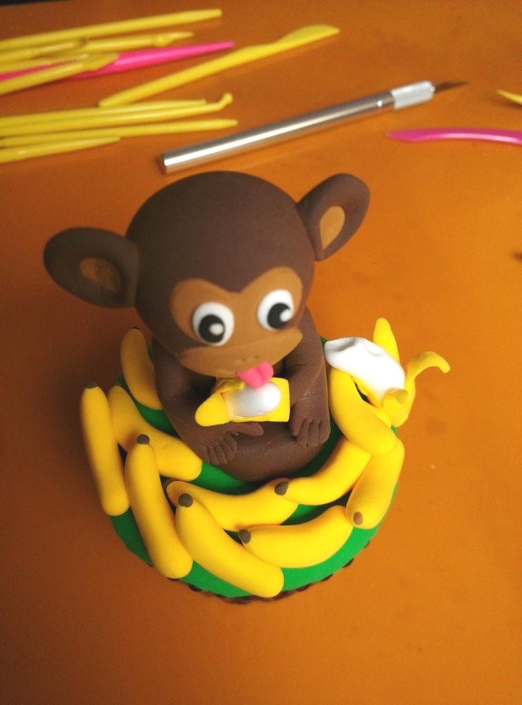 猴赛雷翻糖杯蛋糕的做法_【图解】猴赛雷翻糖杯蛋糕做