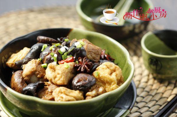香菇豆腐泡烧排骨