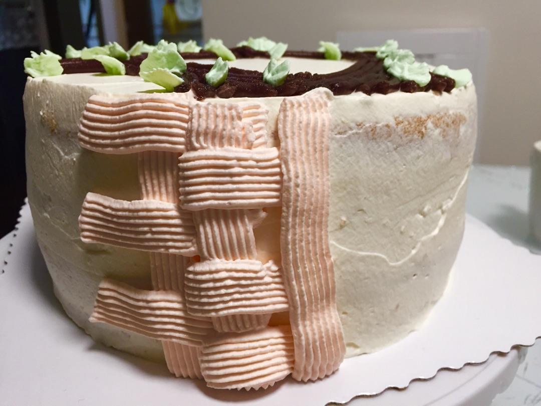 花篮蛋糕编织裱花的做法步骤