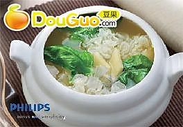 营养银耳波菜汤(4人份)的做法