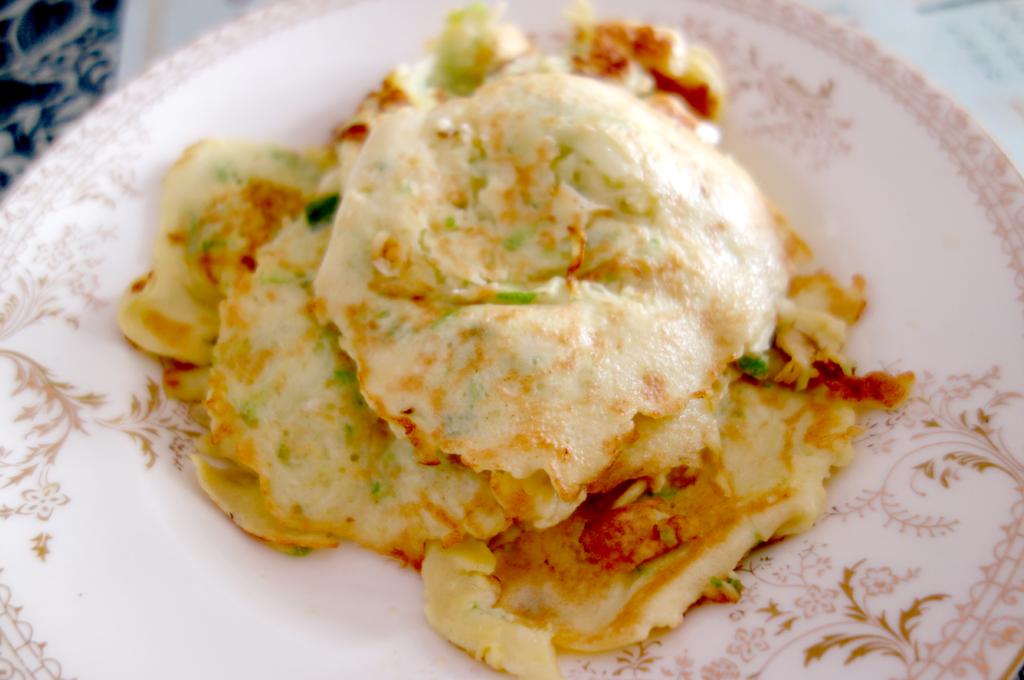 瓜菜饼子(鸡蛋西葫芦饼)的做法图解10