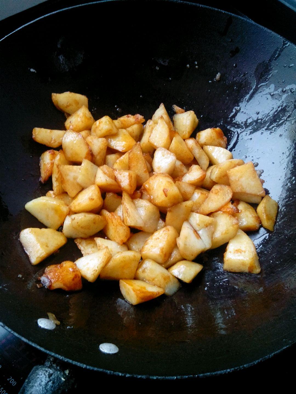 洋蔥炒土豆的做法圖解3