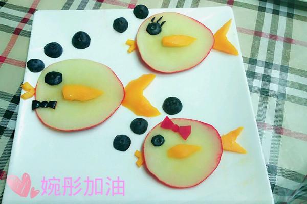 儿童水果拼盘桃小鱼一家亲