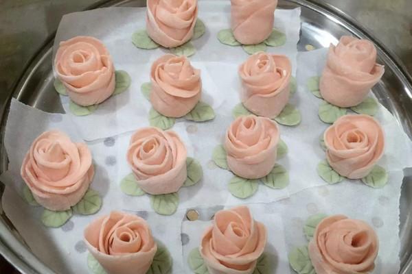 玫瑰花卷的做法_【图解】玫瑰花卷怎么做如何做好吃