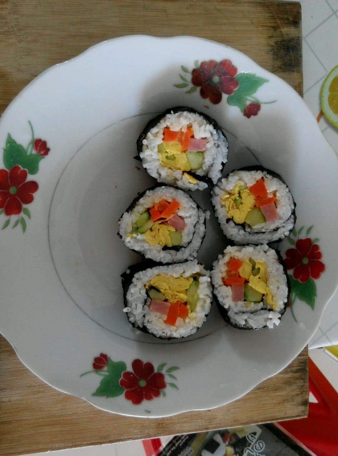 寿司的做法_【图解】寿司怎么做如何做好吃_寿司家常