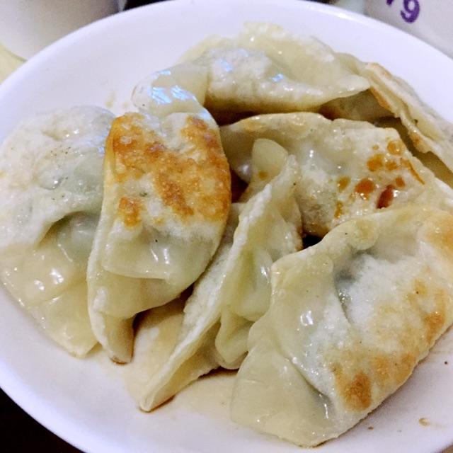 煎刀豆饺子的做法图解4