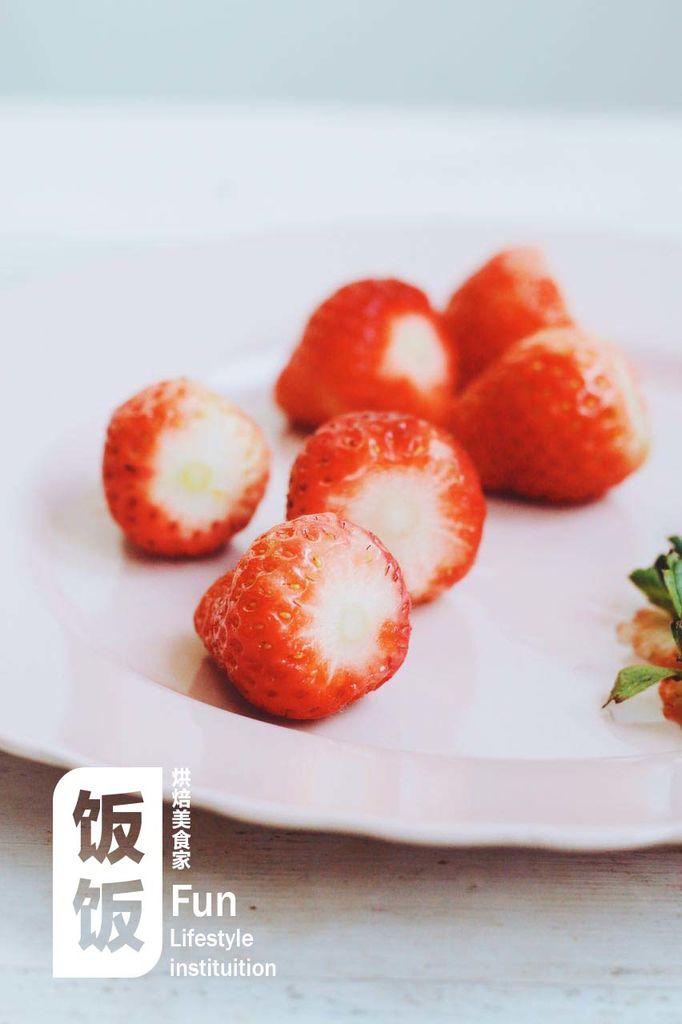 超简单草莓圣诞老人的做法步骤
