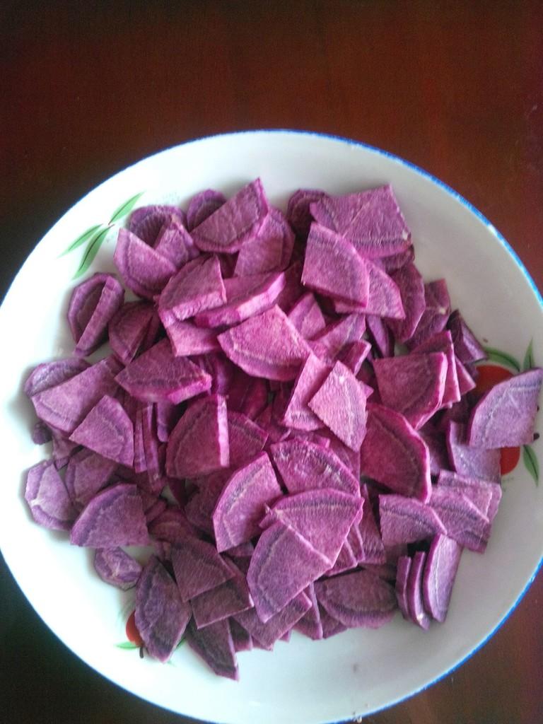 紫薯玫瑰花卷的做法图解1