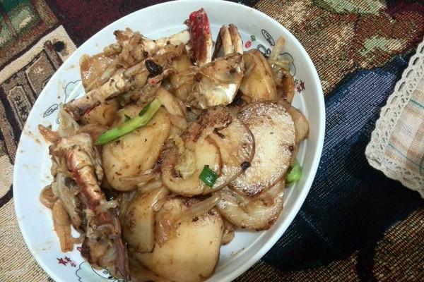 柿子炒鲳鱼的步骤螃蟹小贴士年糕不需要大,豆瓣酱就一小勺就好.吃了做法后能吃螃蟹吗图片
