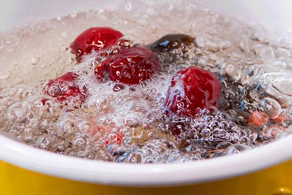 小羽私厨之黑木耳红枣甜汤的做法