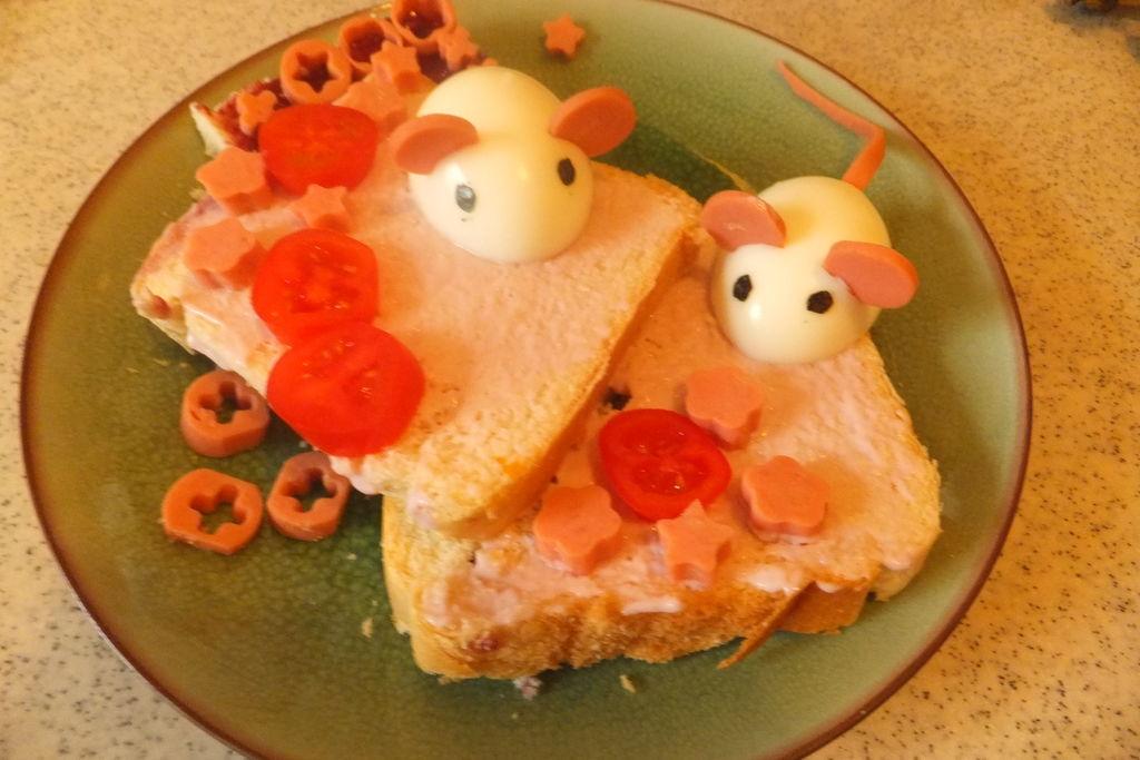 两只小老鼠儿童早餐的做法