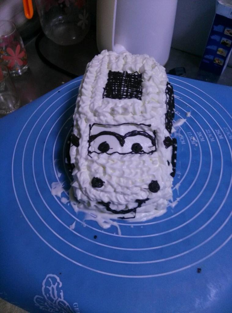 巧克力车轮汽车蛋糕-巧克力车轮