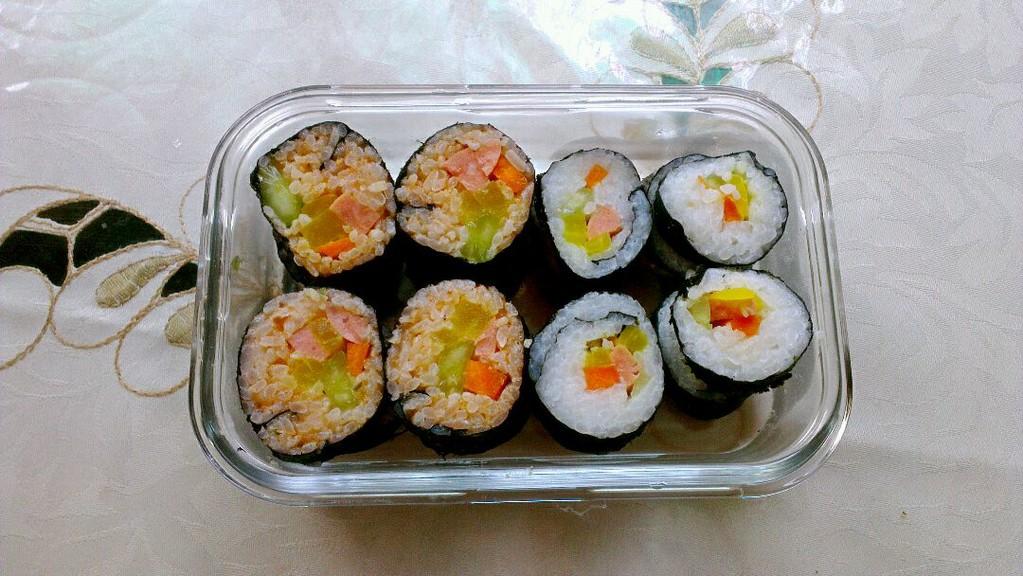 寿司/韩式泡菜寿司,三文鱼寿司