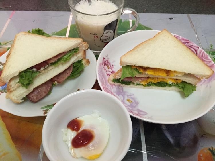 简单的西式早餐