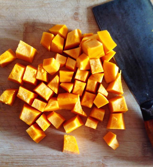 咸蛋黄焗南瓜的做法_【图解】咸蛋黄焗南瓜怎么做好吃
