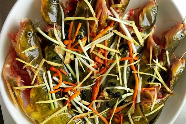 两步搞定简单又美味的菜一一清蒸黄骨鱼的做法 两步搞定简单又美味