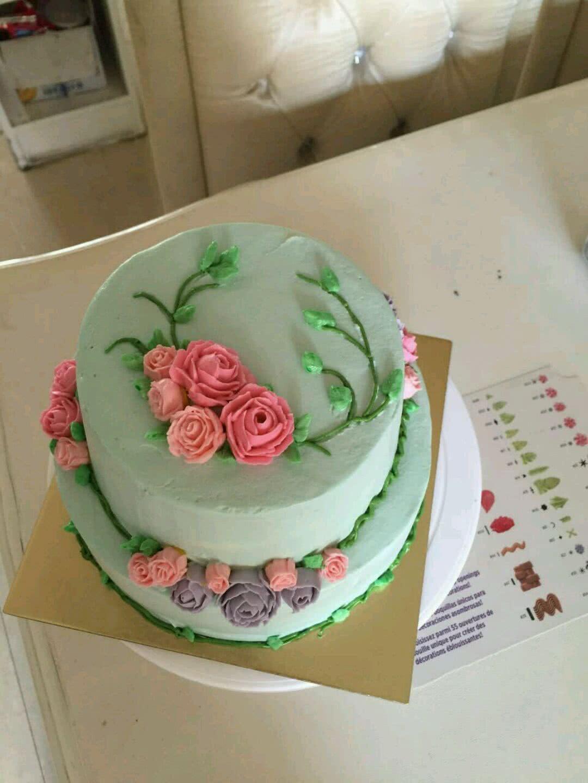 奶油霜韩式裱花蛋糕的做法步骤