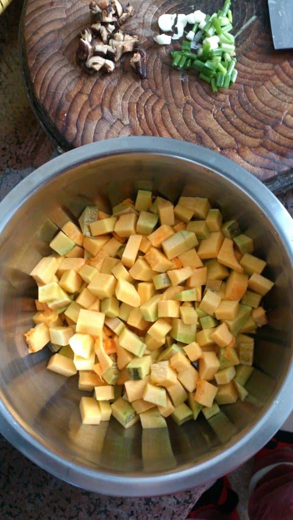 南瓜饭的做法 !-- 图解1 -->