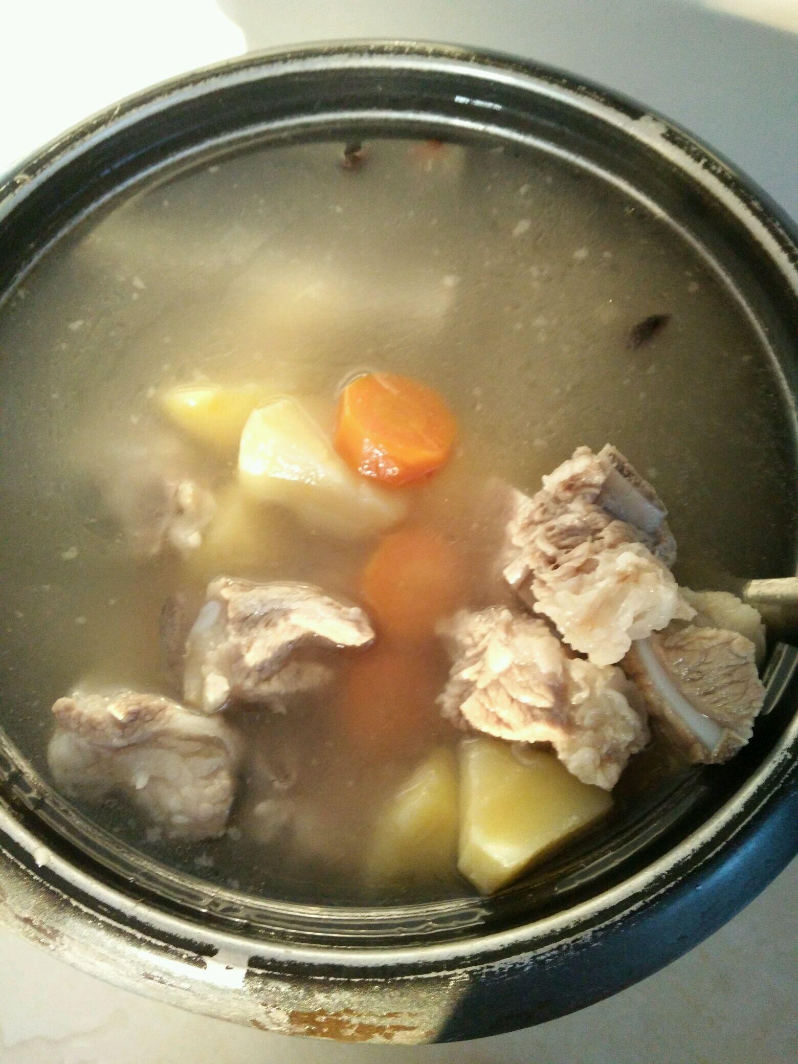 土豆排骨汤的做法图解6