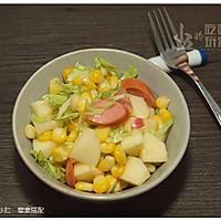 火腿杂蔬沙拉:荤素搭配的轻食