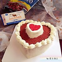 """红丝绒心形奶酪奶油霜生日蛋糕#享""""美""""味#"""